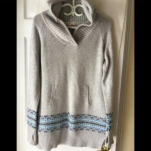Akini hooded sweater